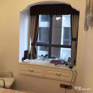 88平米欧式二居室装修飘窗设计