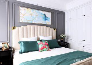 130平米美式三居装修床头软包效果图
