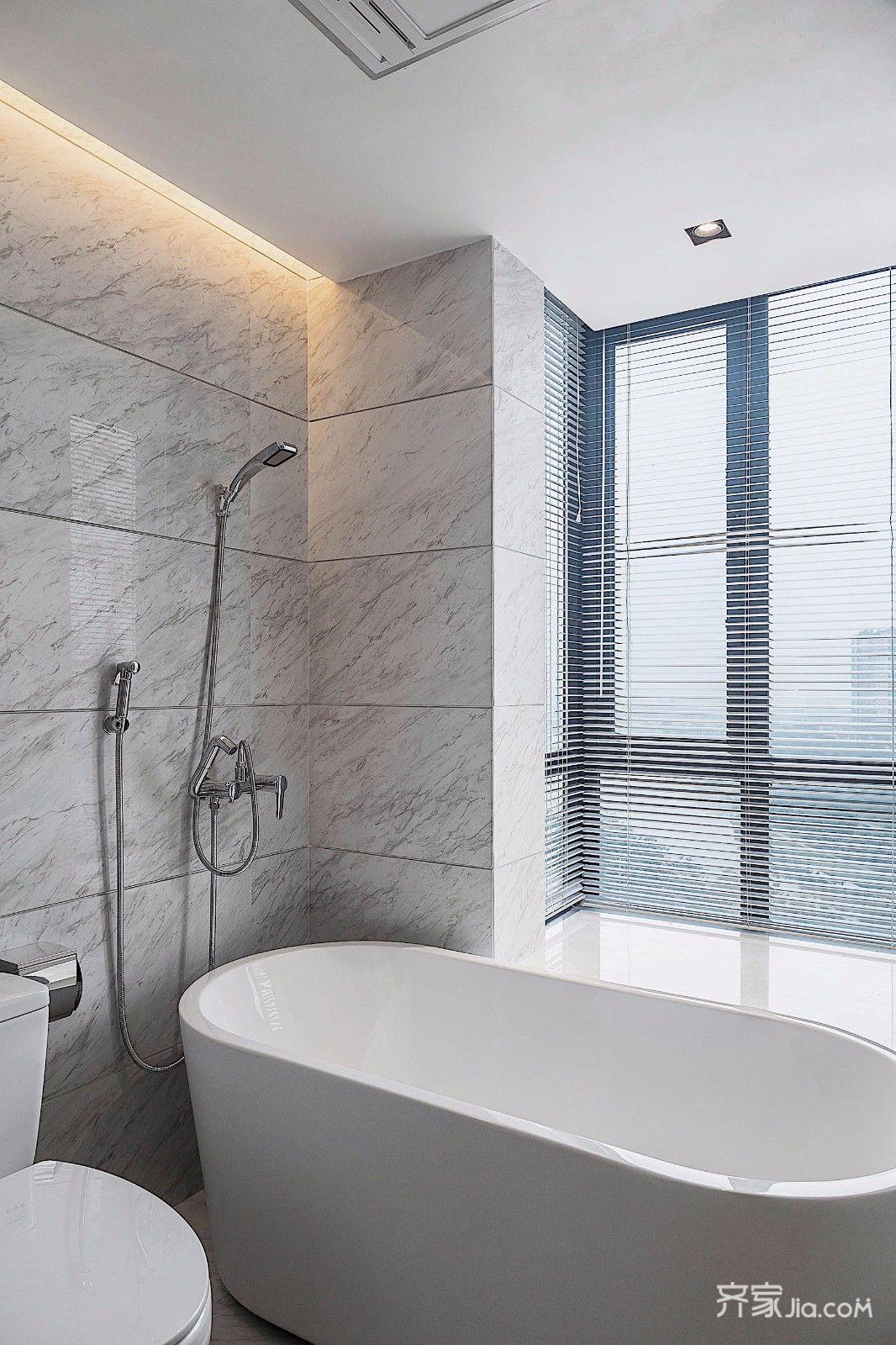 三居室简约装修卫生间装潢图