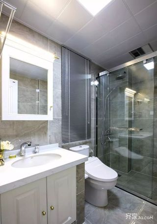 二居室法式混搭装修卫生间装潢图
