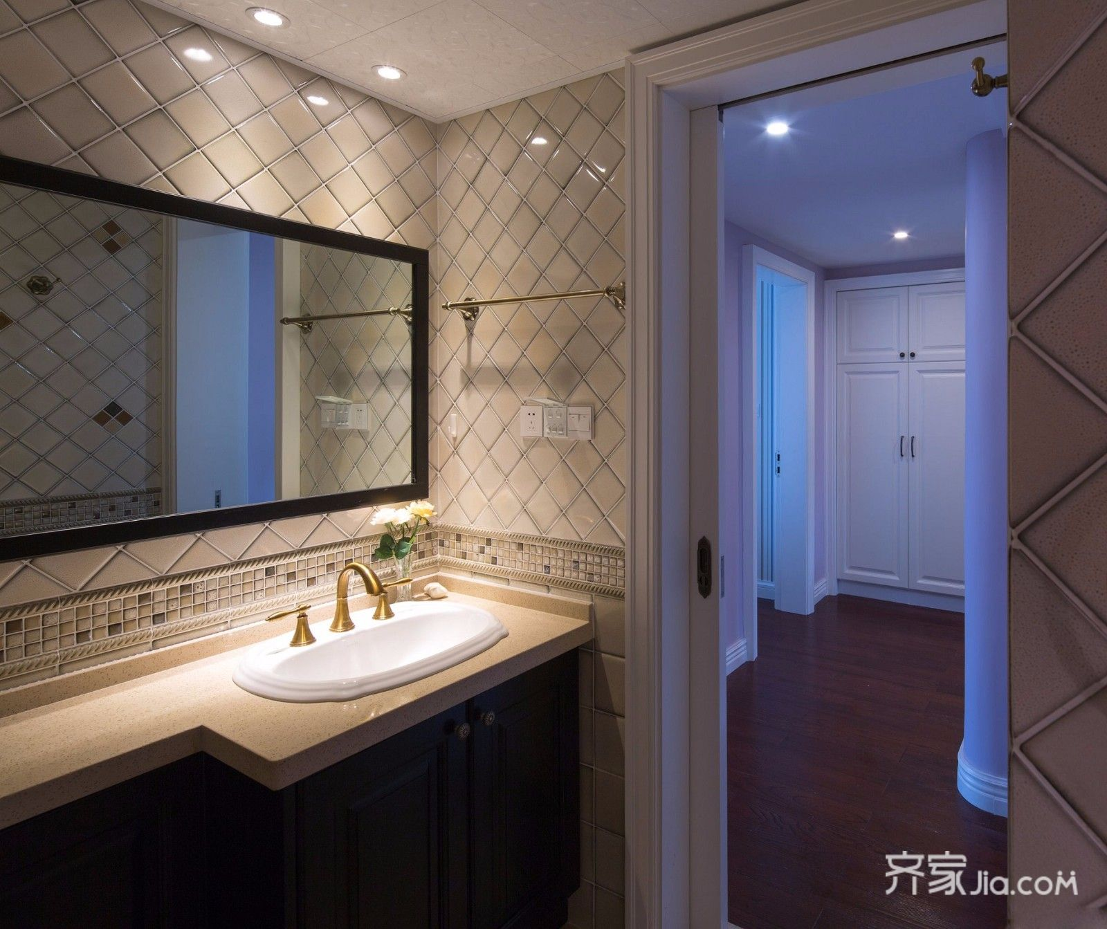 二居室温馨美式装修卫生间洗手台