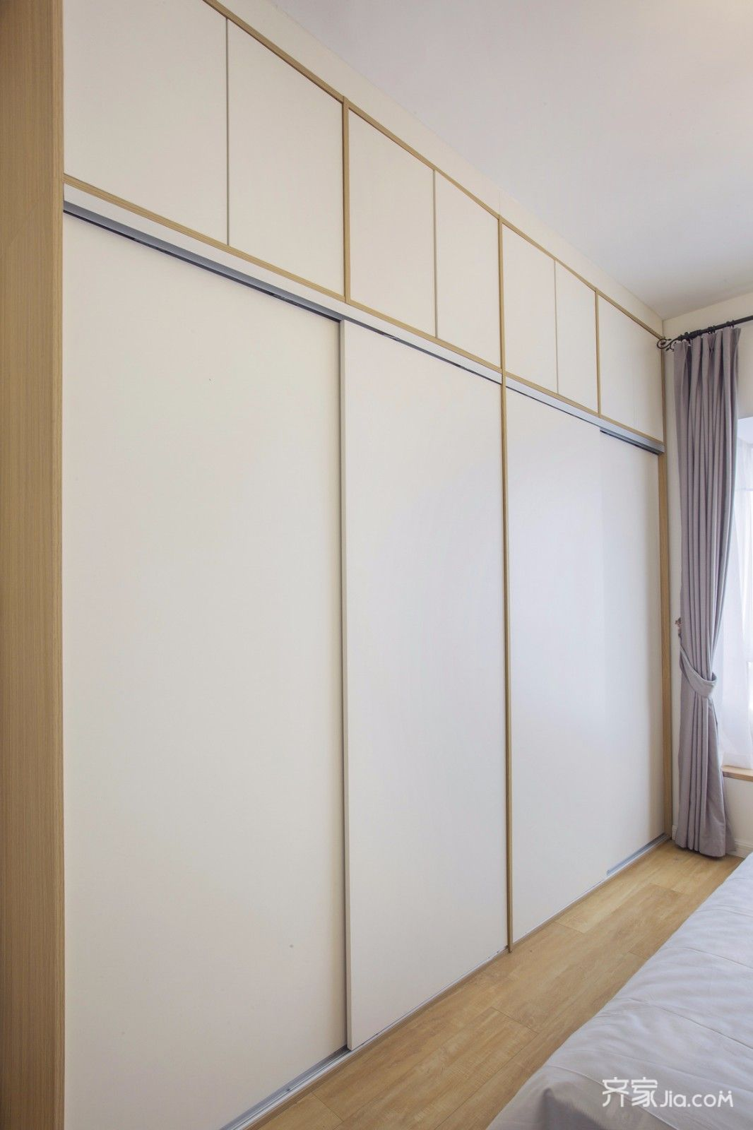 北欧二居室设计卧室衣柜