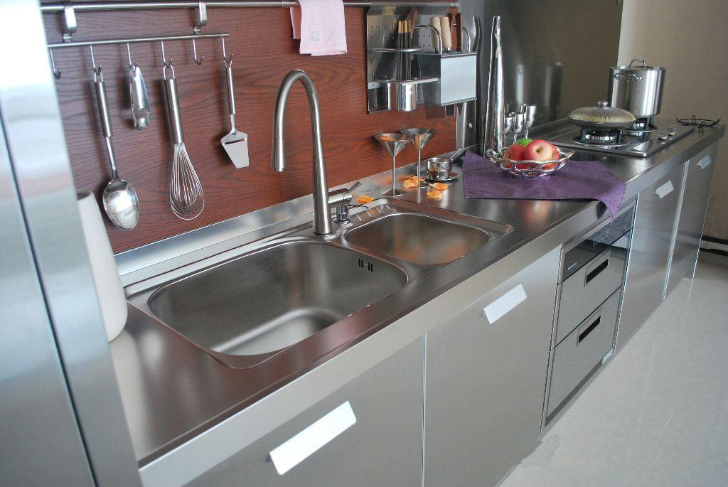 廚房不銹鋼桌的優點衛生間的成品隔斷價格確保廚房的不銹鋼桌