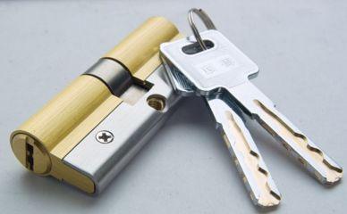 防盗门锁价格模仿真花,安装了多少防盗门锁