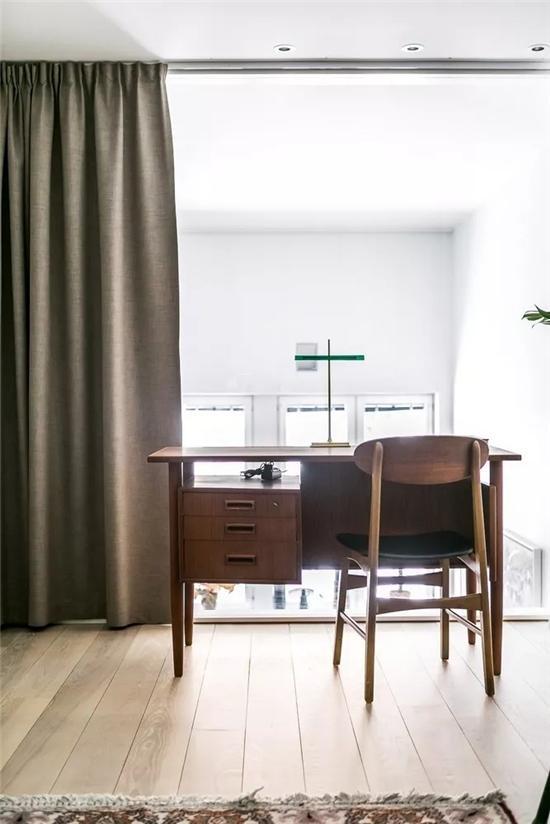 复古风格卧室书房一体化