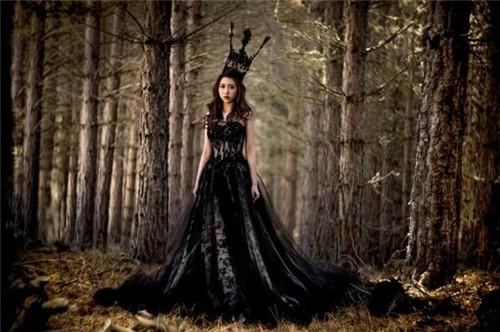 黑色婚纱_婚纱图片