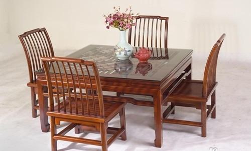 榆木家具和橡木家具哪个好 怎样选择合适的家具