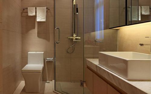 小卫生间如何装修小卫生间的五大原木门品牌技术