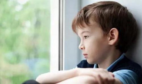 有孩子的夫妻离婚后果  夫妻离婚到底对孩子伤害有多大