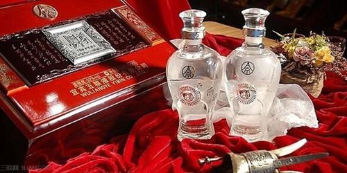 青岛婚宴上喝什么,两家酒一起喝欧元柜的价钱谁出?