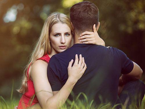 男人出轨怎么办 确定丈夫外遇后怎么做