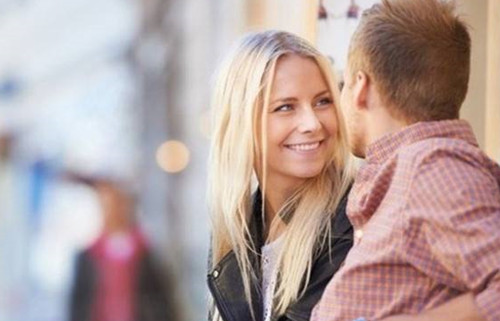 已婚男人喜欢你的眼神  怎样知道自己被暗恋了