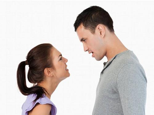 男人想离婚的表现 婚姻出现危机的四大预警