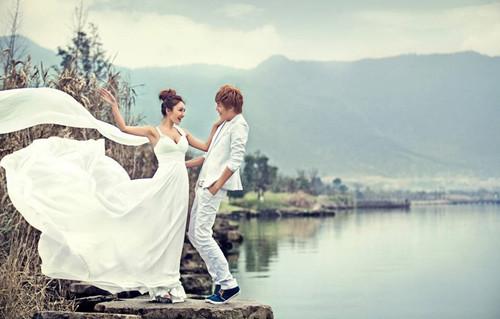 哈尔滨婚礼照片排行榜中,你家墙壁上装饰的浪漫婚纱被拍摄下来了