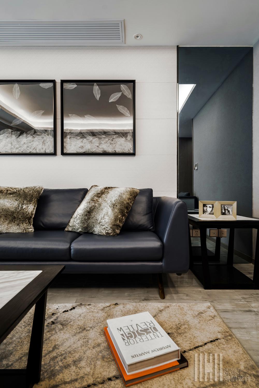 港式风格两居装修沙发图片