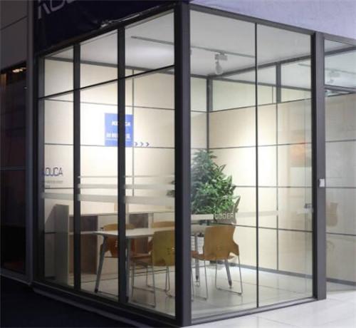 办公室玻璃隔断价格-办公室玻璃隔断价格 办公室玻璃隔断3个选购技巧
