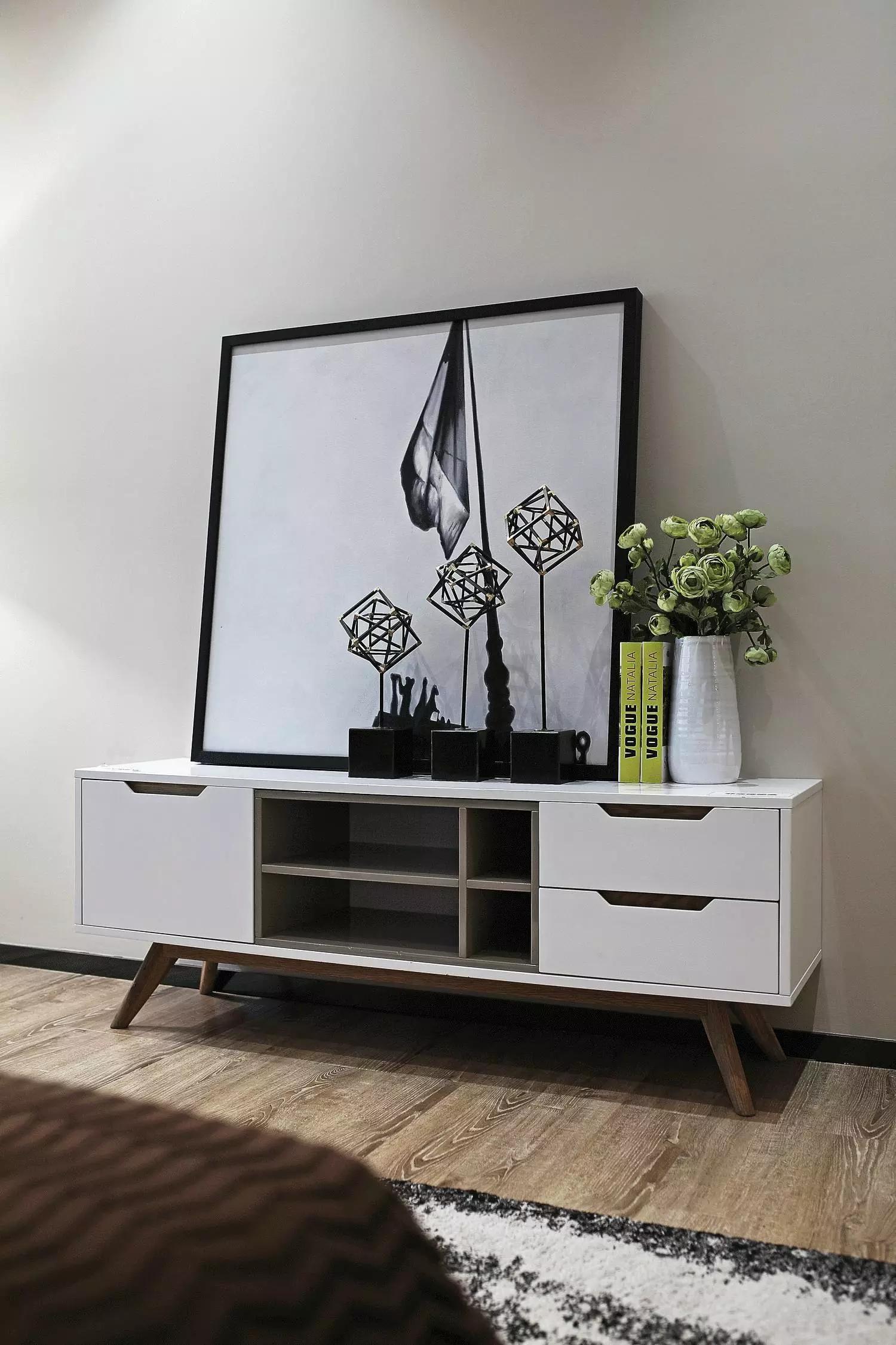 小户型北欧风公寓装修卧室边柜装饰摆件