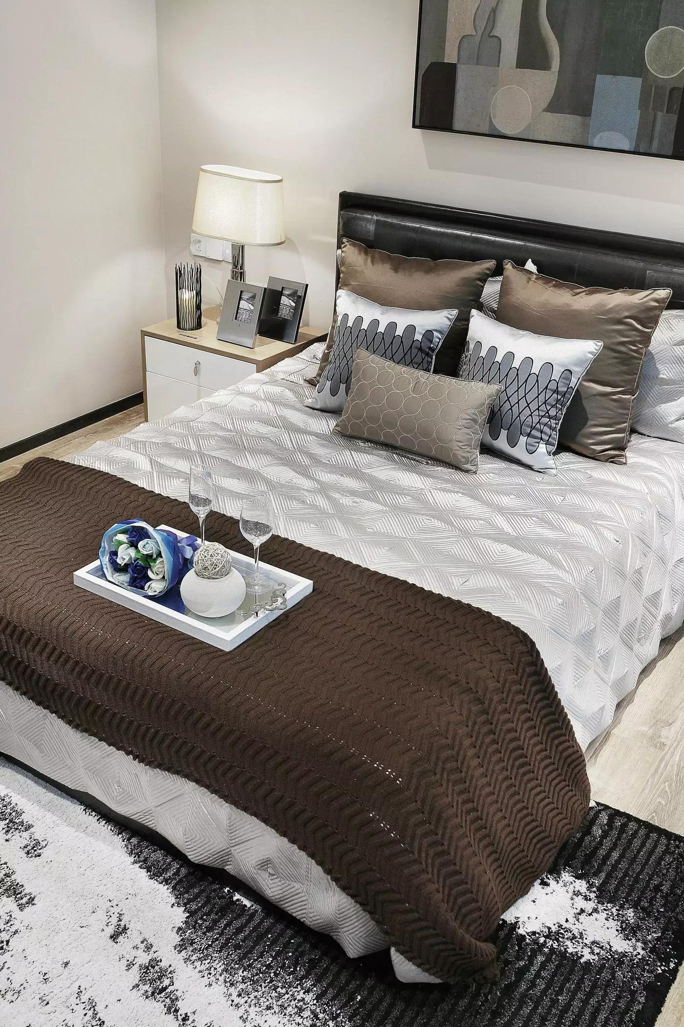 小户型北欧风公寓装修床品图片