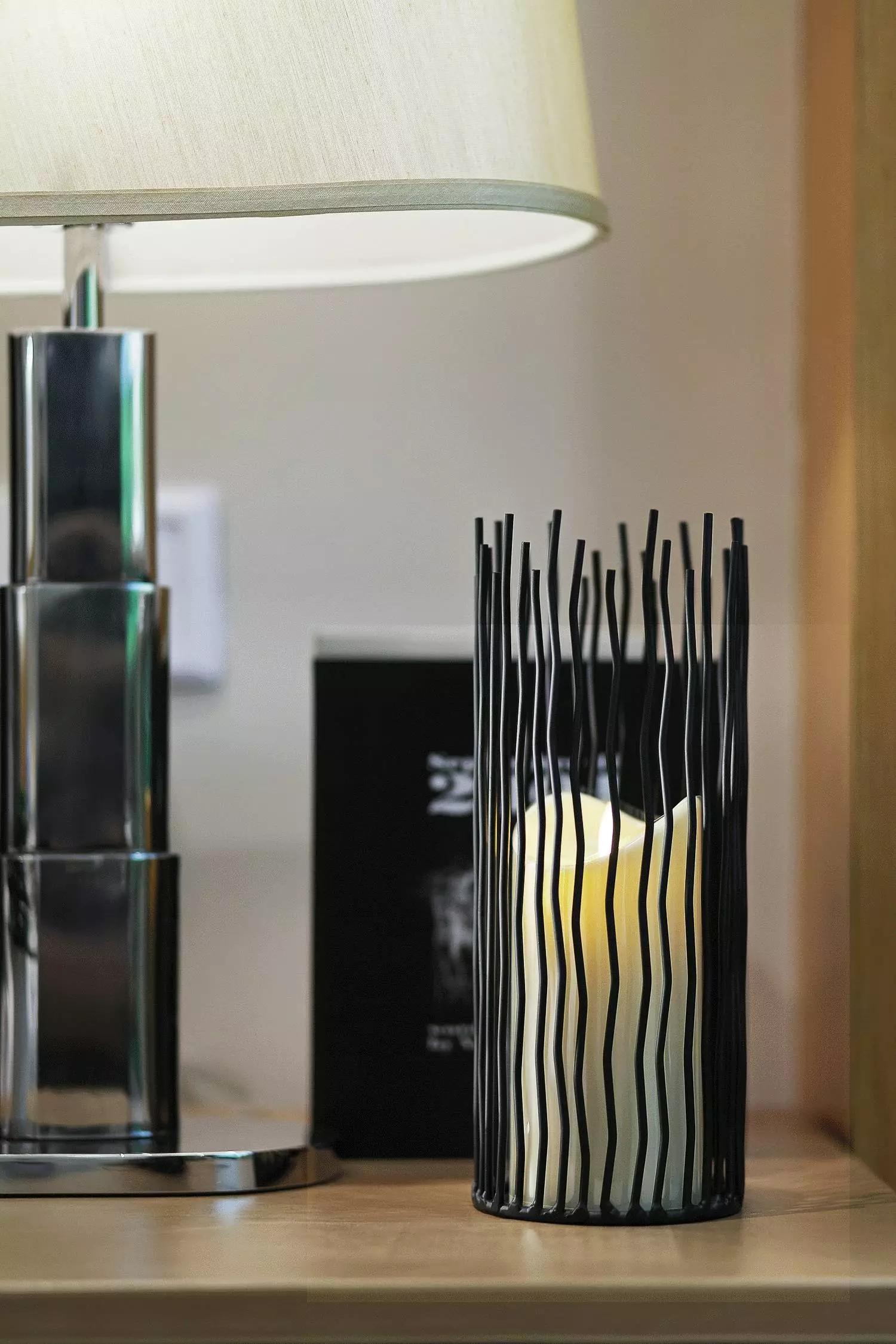 小户型北欧风公寓装修烛台特写