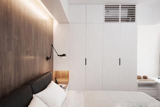 小户型简约二居室装修衣柜设计图