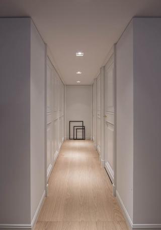 165㎡现代风格三居装修走廊效果图