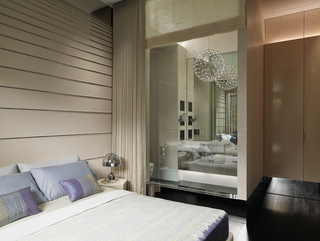 大户型现代风格装修卧室一角
