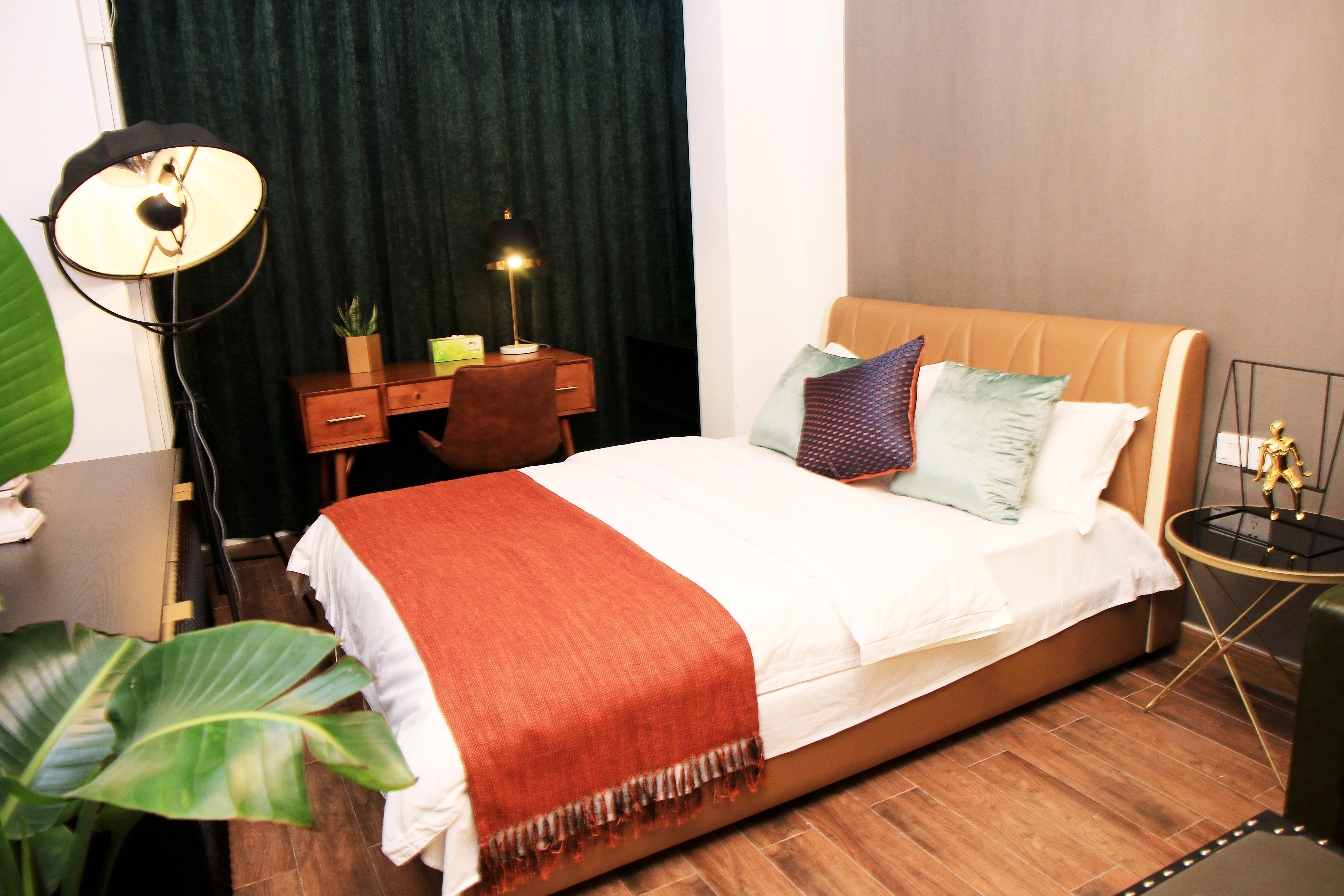 小户型复古现代风格装修床品搭配图