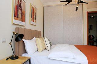 85㎡现代风格二居室装修衣柜设计图