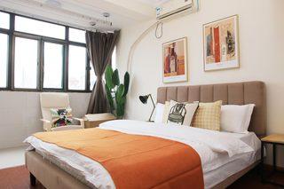 85㎡现代风格二居室装修卧室背景墙图片