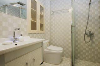85㎡现代风格二居室装修卫生间效果图