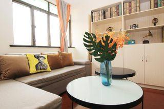 85㎡现代风格二居室装修客厅布置图