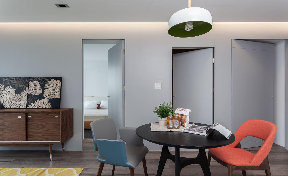 小户型简约风二居室隐形门装修效果图