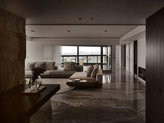 165平三居室公寓装修客厅吊顶设计图