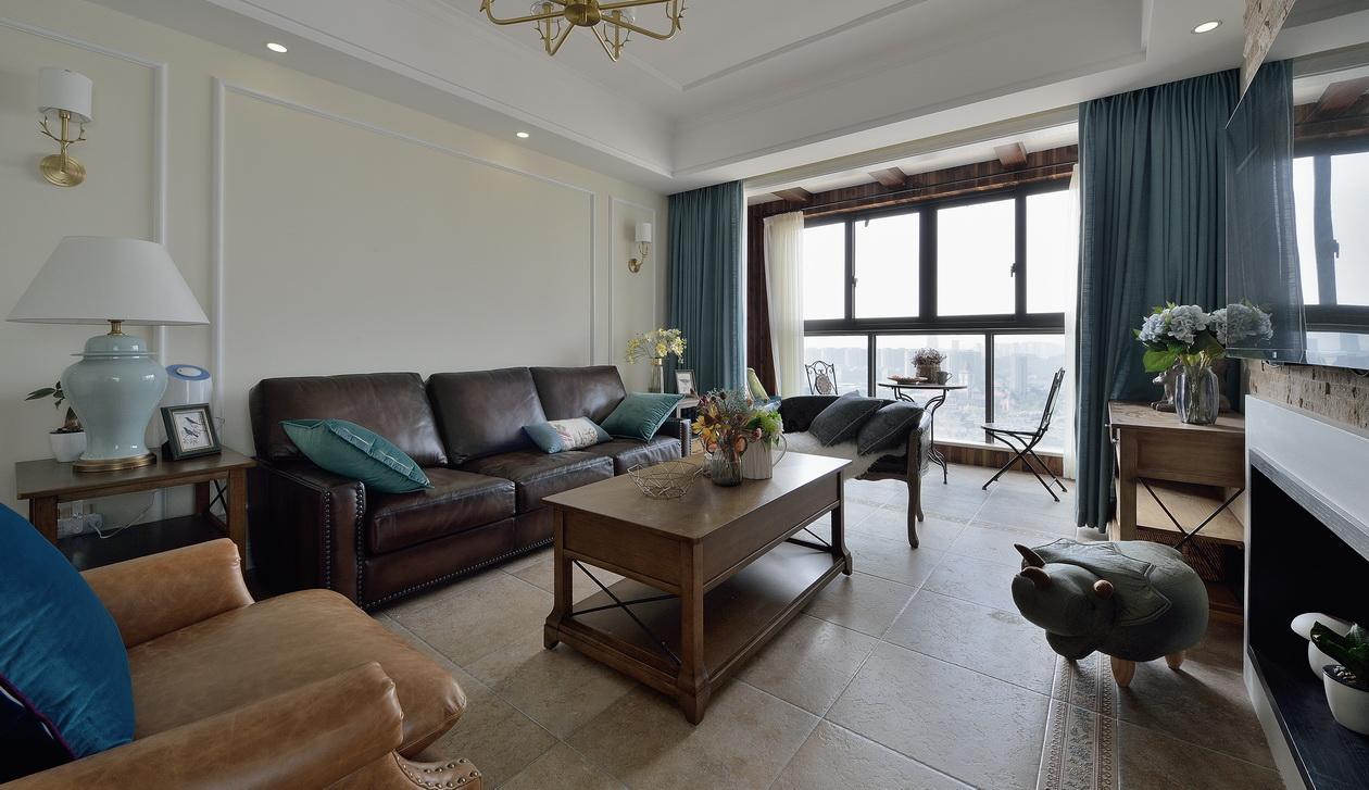 140平简美三居沙发背景墙装修效果图