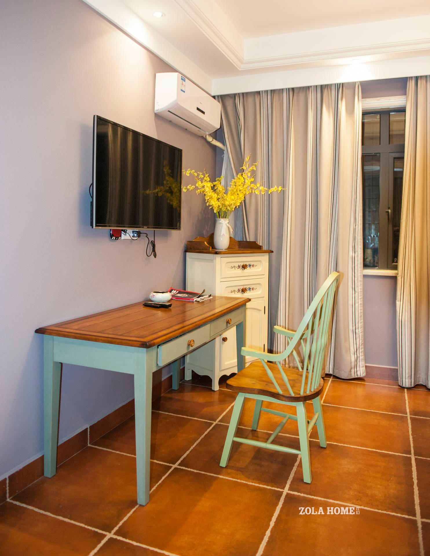 美式风格民宿装修书桌椅布置图