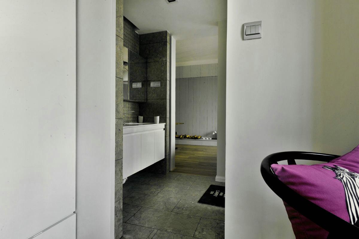 现代简约三居室装修洗手台效果图