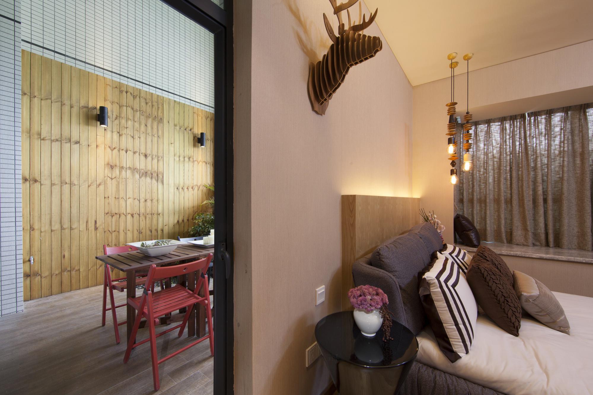 三居室现代风格装修床头背景墙设计效果图