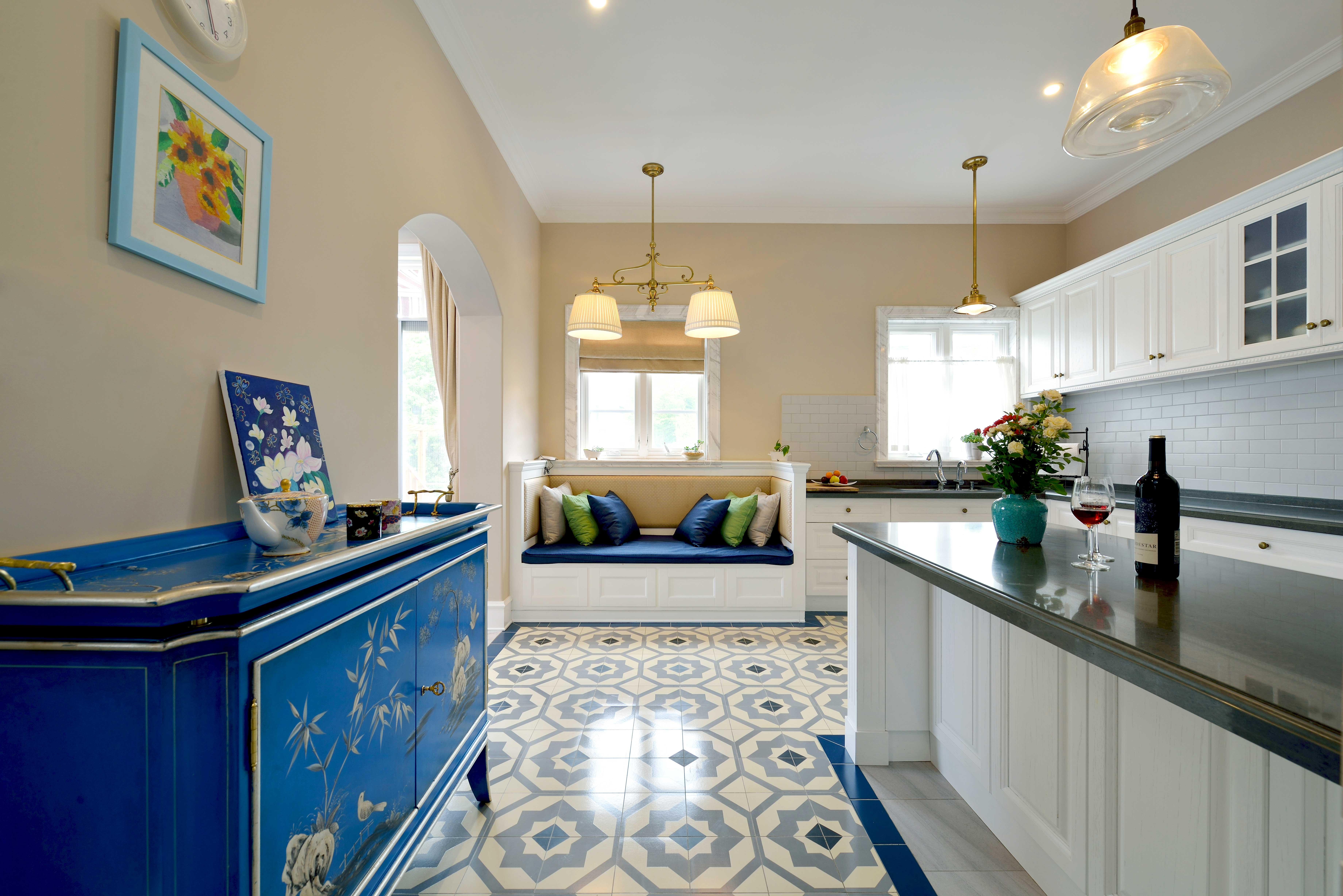 现代简美风格别墅厨房装修效果图