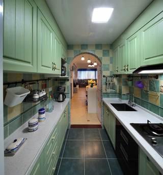 地中海风格二居室装修厨房过道