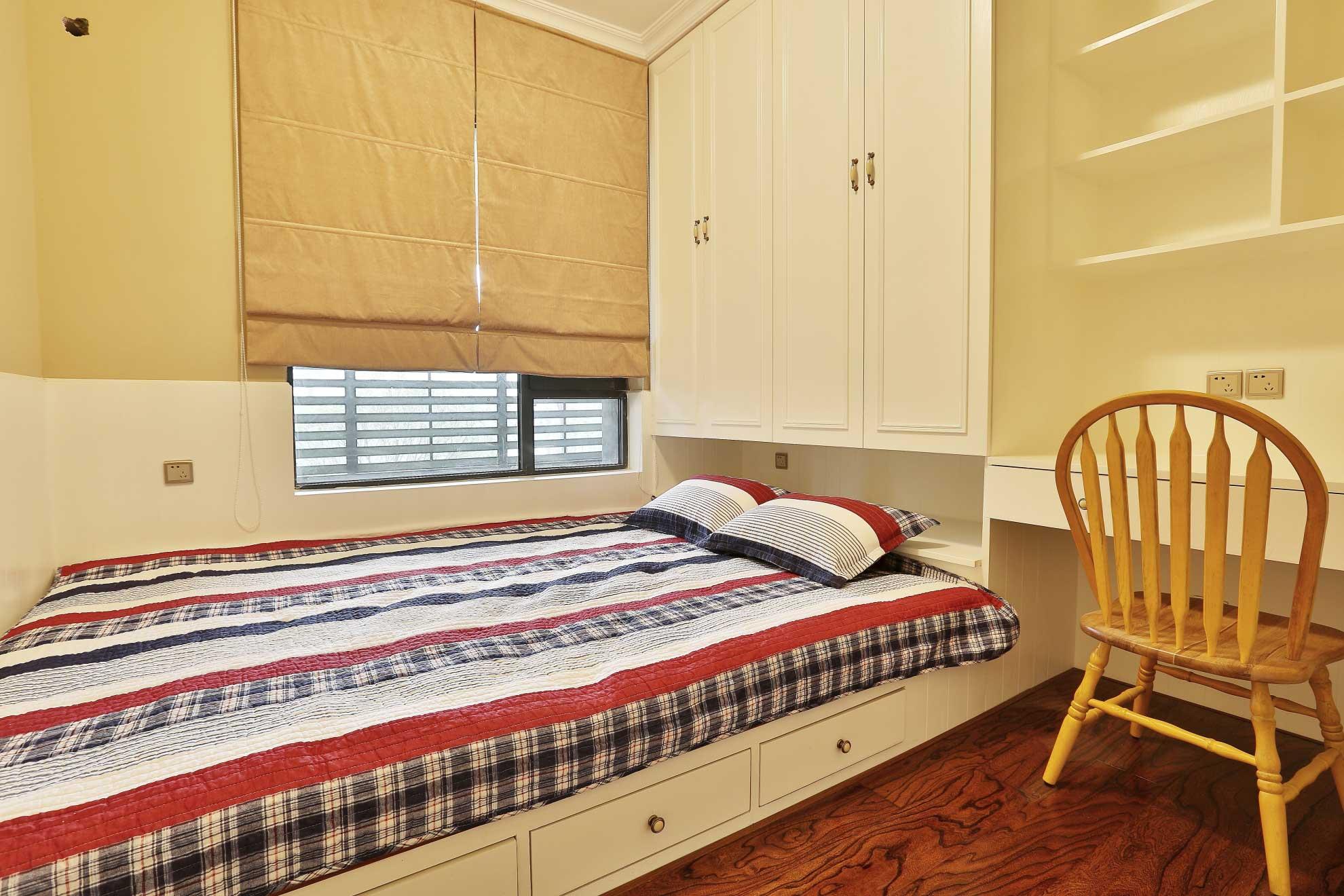 大户型美式乡村风格装修榻榻米卧室设计图