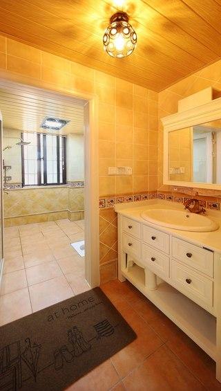 130平美式乡村风格装修浴室柜设计图