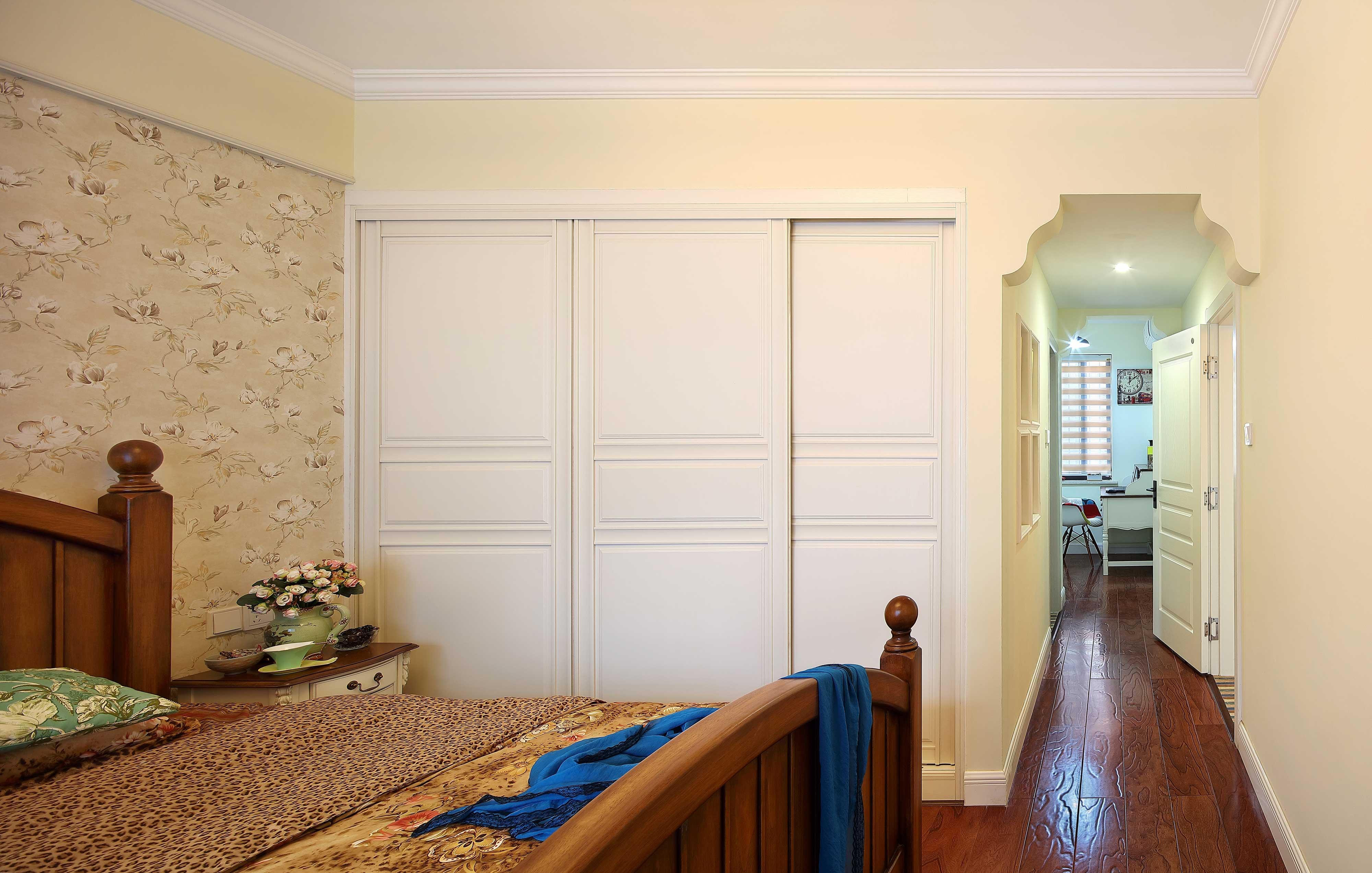 130平美式乡村风格装修衣柜设计图