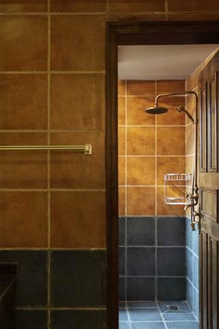 地中海田园三居室装修淋浴房一角