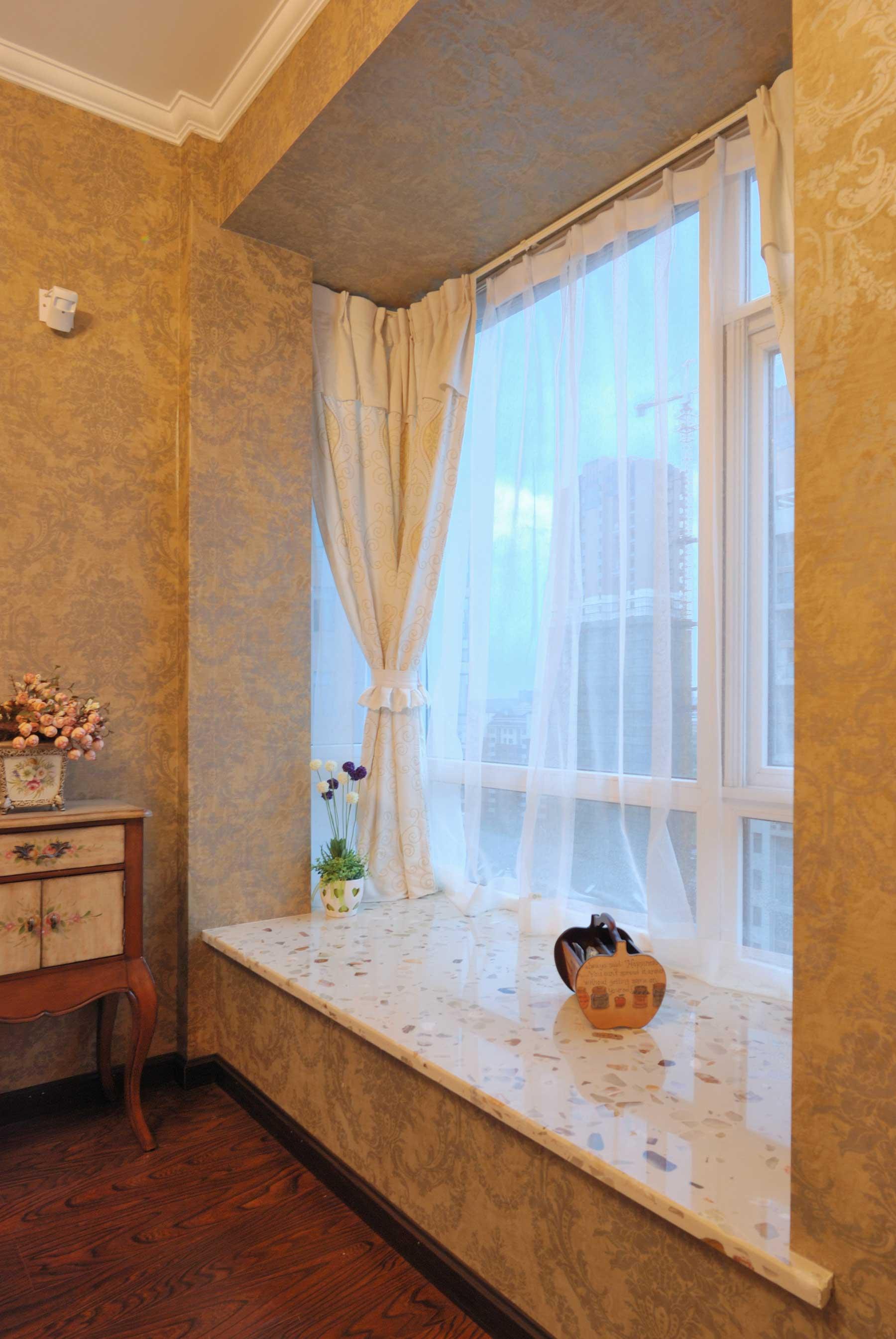 地中海混搭三居装修飘窗设计图
