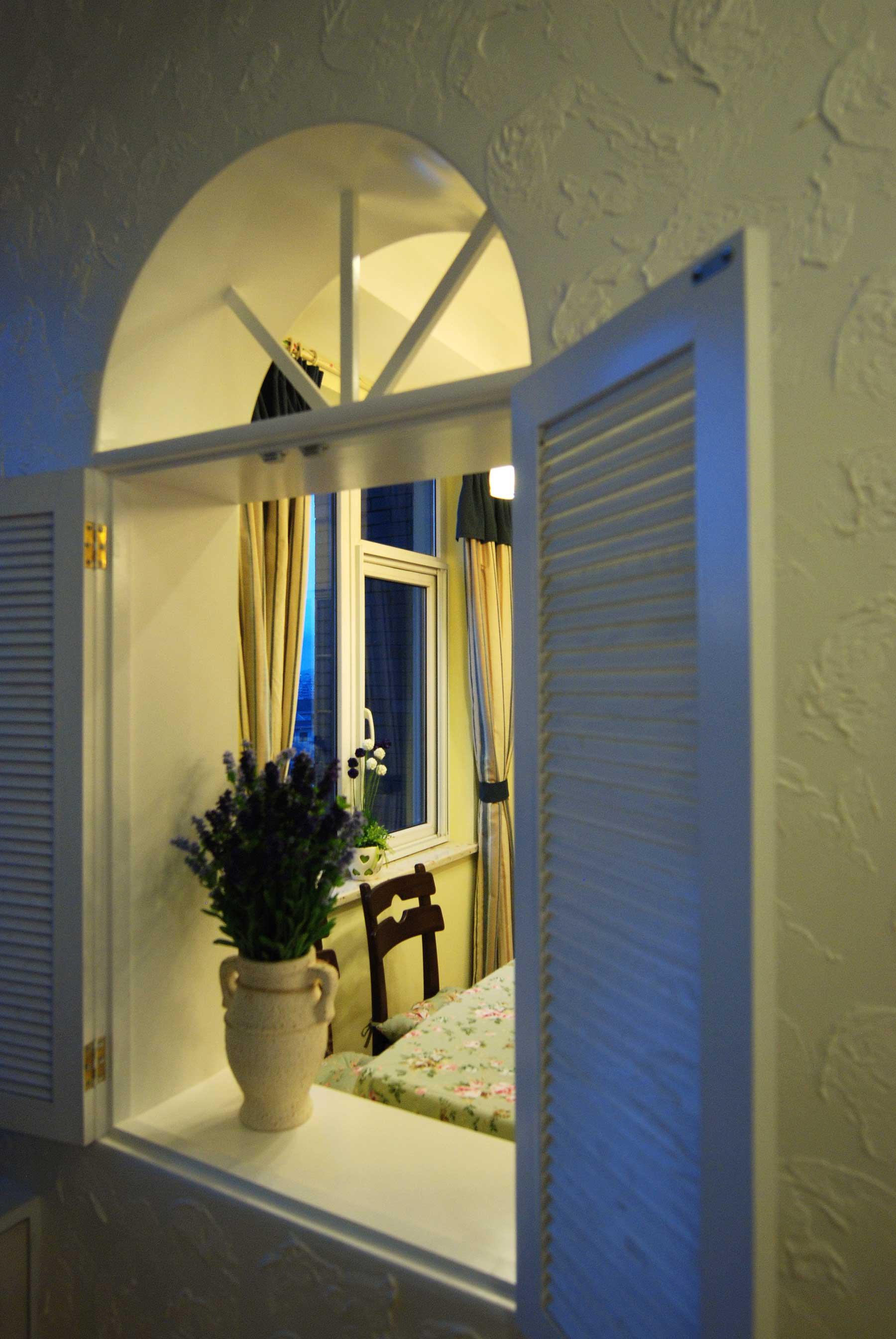 地中海混搭三居装修窗户设计