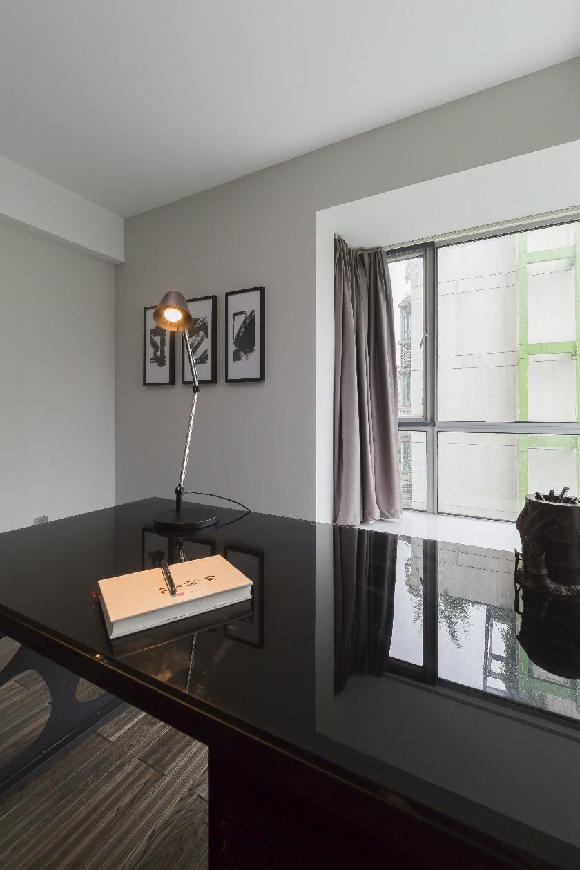 160㎡现代简约三居装修书桌设计图