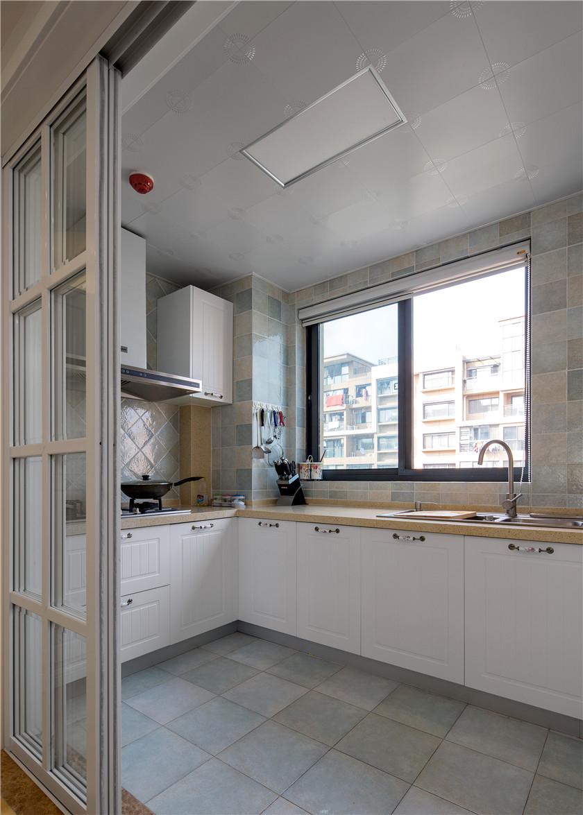 110平美式田园风格厨房装修效果图
