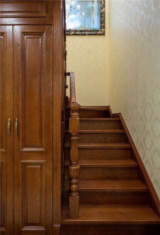 新古典美式风格别墅楼梯装修效果图