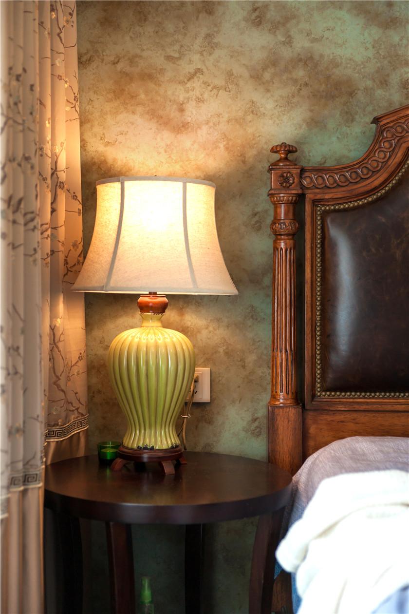 360平美式风格别墅装修床头一角