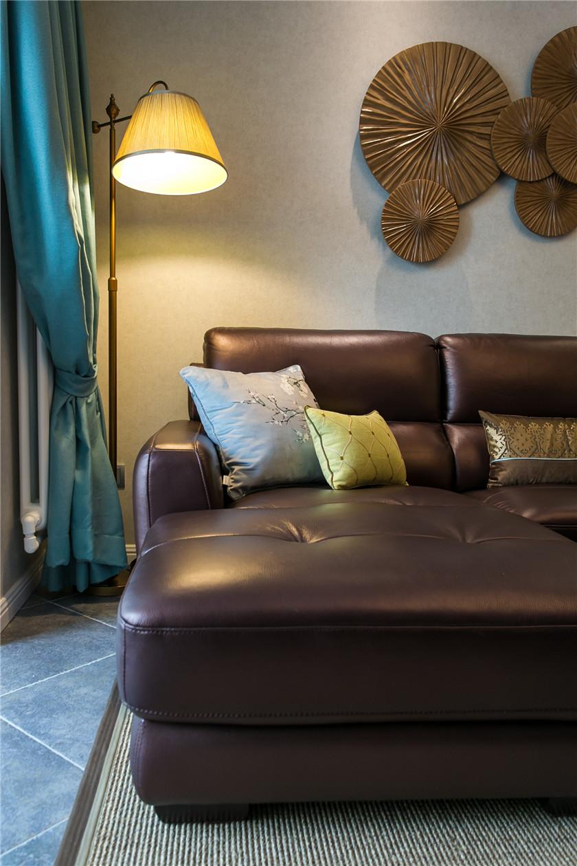 混搭风格二居装修沙发效果图